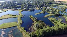 Photographie aérienne par drone etang en normandie