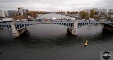 Pont sur la Seine en région parisienne photographie par un drone