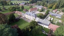 Prise de vue aerienne petit village en normandie