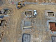 Suivi de chantier de terrassement en vue aérienne par drone