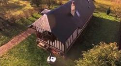Vue aerienne de bien immobilier filme ou photographie par un drone