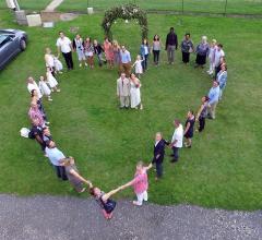Vue aérienne de mariage par drone dans le Loiret