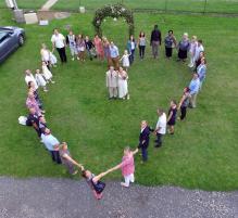Vue aérienne de mariage par drone en Occitanie