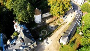 Vue aérienne du château d'Issou