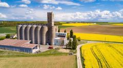 Vue aérienne par drone d une usine en Eure et Loir