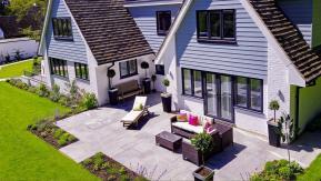 Vue aérienne par drone de gîtes maisons ou chambres d'hôtes
