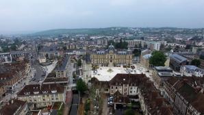 Vue aérienne par drone de la mairie et le beffroi d'Evreux