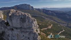 Vue aérienne par drone paysage du var