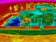 Thermographie aerienne de maison en infrarouge par drone