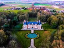 Vue aérienne pilote de drone a Compiègne dans l Oise Hauts de France