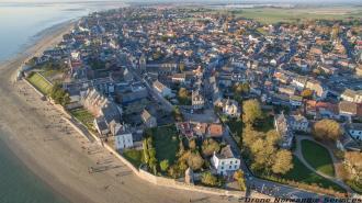 Vue aerienne village drone normandie services